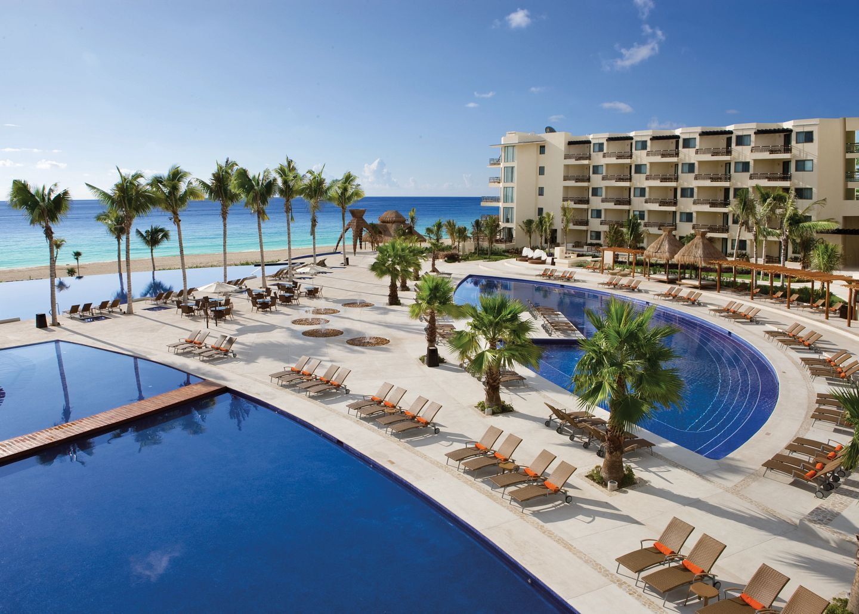 Riviera Cancun Resort Pool