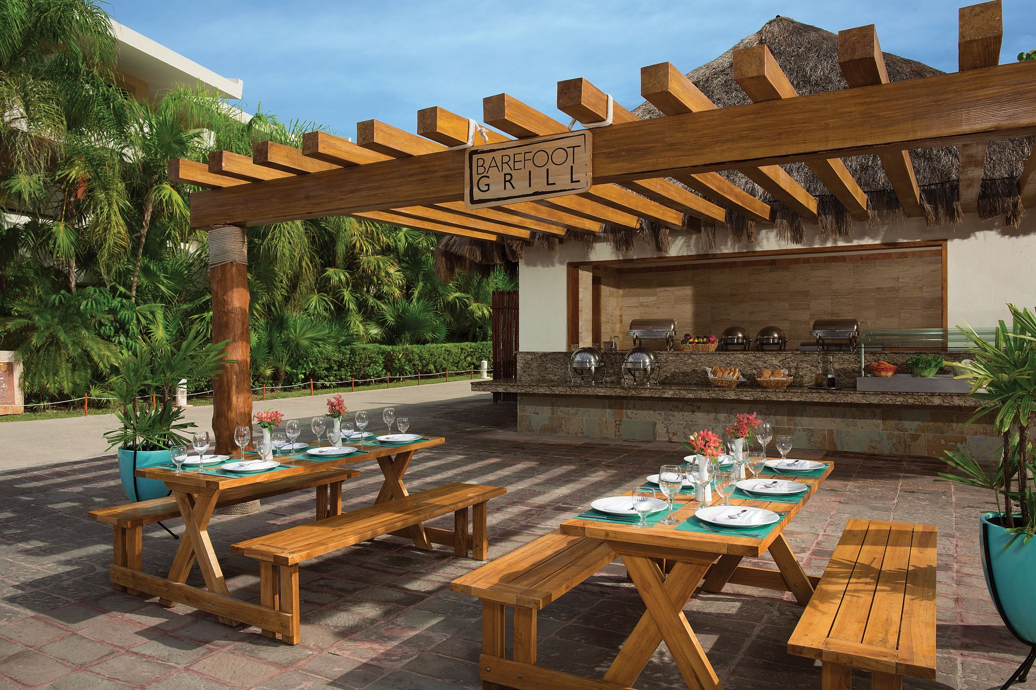 Outdoor grill restaurant with dining set up