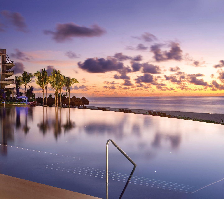 Riviera Cancun Infinity Pool