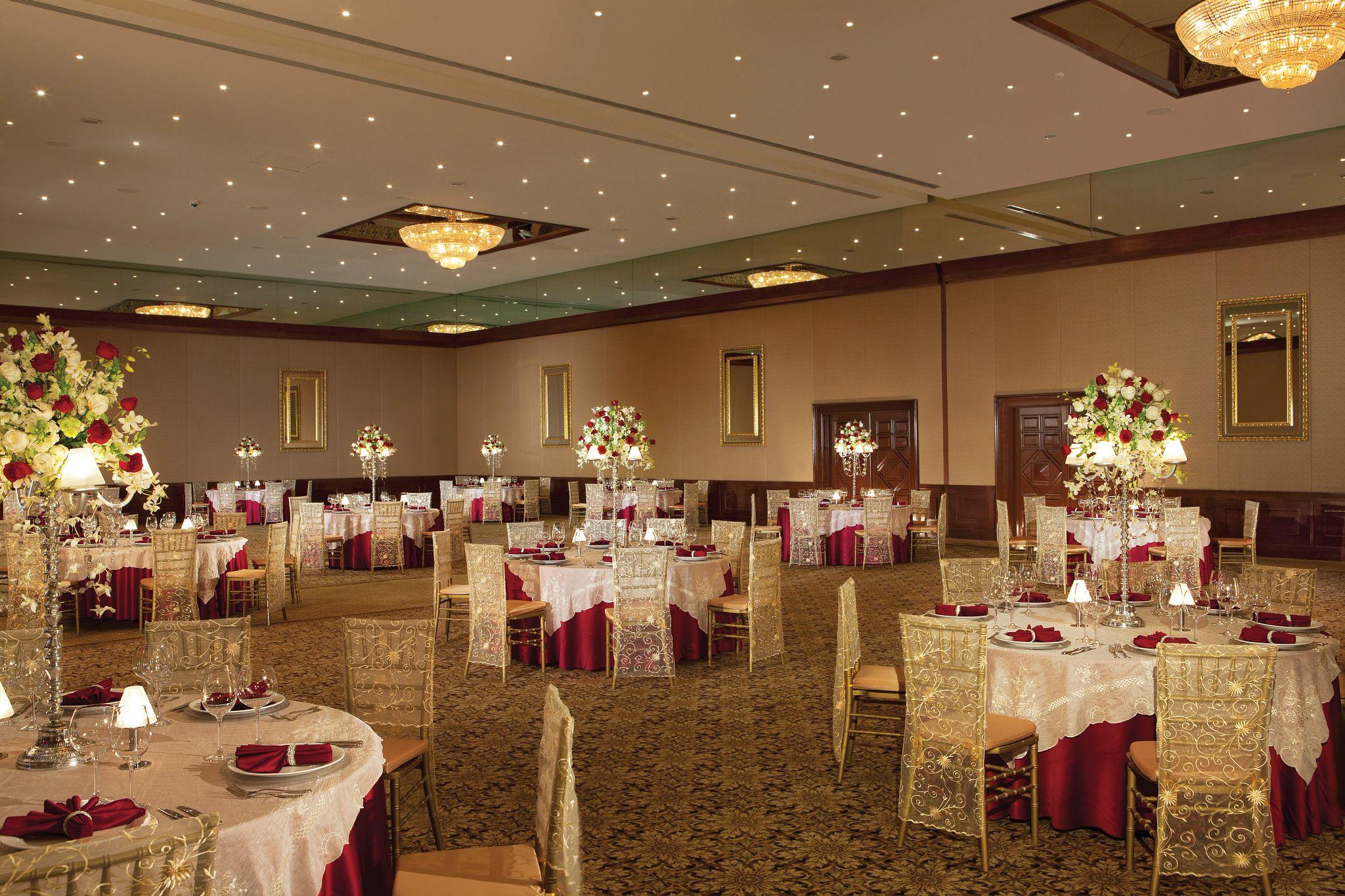 ballroom set up fro a wedding reception